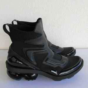 Nike Shoes - New NIKE Air VaporMax Light II Sneakers